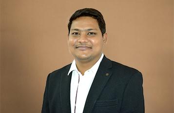 Dr.-Srikanth